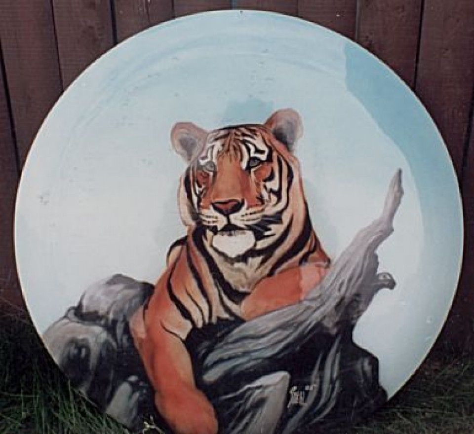 Airbrushed tire cover murals advance custom paint for Airbrush mural painting